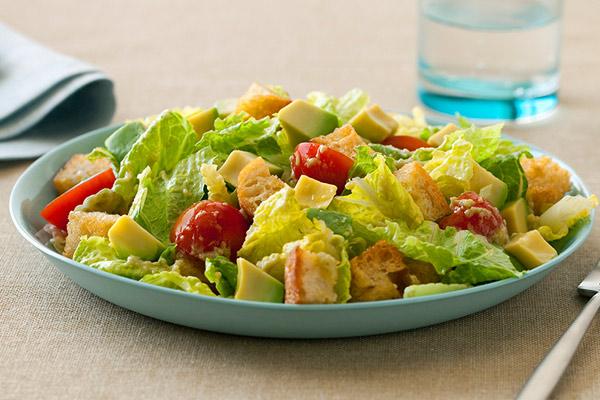 Evitar hipercolesterolemia con ensalada césar